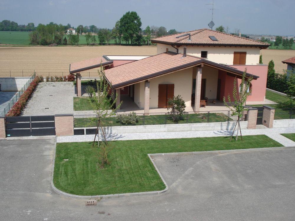 Alseno villette a schiera e appartamenti con giardino for Immagini di villette con giardino