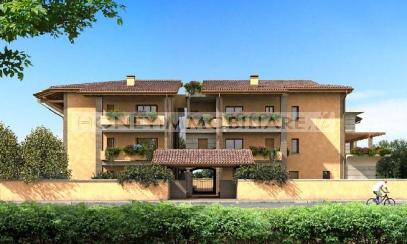 Appartamenti con giardino e terrazzo in vendita a noceto for Piani di appartamento di garage contemporanei