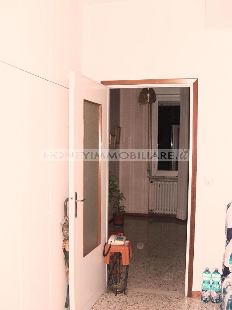 Salsomaggiore terme vendita appartamento offerta rif a01145 for Piani di appartamento garage due camere da letto